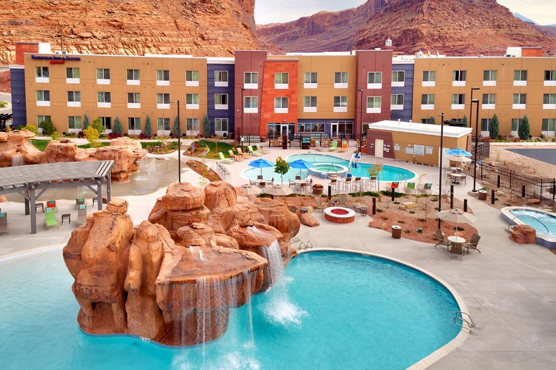 Moab Utah vacation Marriott Springhill Pool