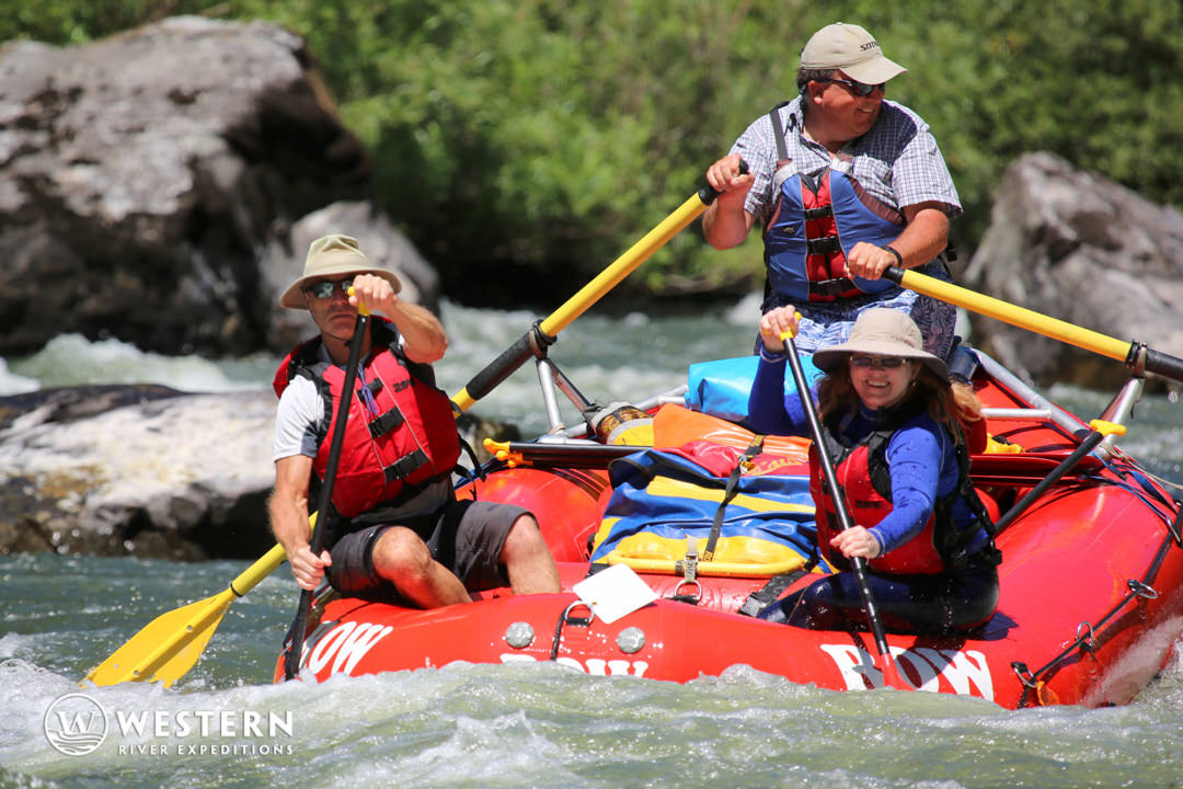 Rogue River Rafting Whitewater Couple
